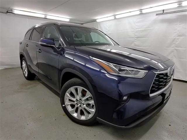 New 2020 Toyota Highlander LTD 4DR 4WD WGN V6